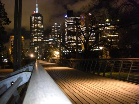 walkway_to_city.jpg